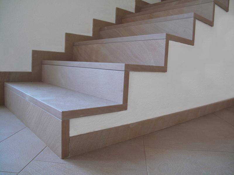 Plans de travail en pierre naturelle marbre et granit pour for Escalier pierre naturelle